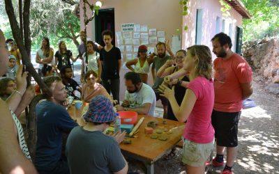 Together we shape the clay : un échange de jeunes en Grèce autour de la céramique.